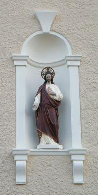 Kościół pw. Najświętszego Serca Pana Jezusa w Zagwiździu (figura na zewnętrznej stronie kościoła od północy)