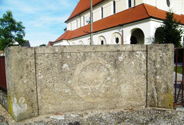 Kościół pw. Najświętszego Serca Pana Jezusa w Zagwiździu ( ogrodzenie od strony ul. Górki)