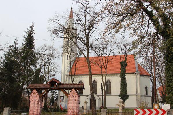 Przeczow Sacred Heart church 2013 P02
