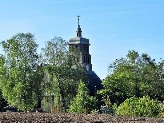 Kościół w Piecach - na gruntach Iwiczna