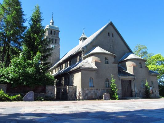 Na wzgórzu Czubnica znajduje się kościół