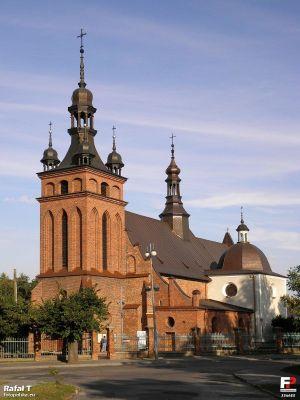 Zwoleń, Kościół Podwyższenia Krzyża Świętego - fotopolska.eu (226855)