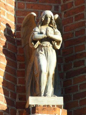 Samogoszcz - kościół parafialny pod wezwaniem św. Jadwigi Śląskiej,detal-figura anioła AL01