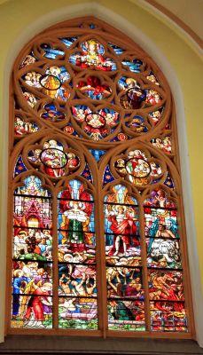 """Kościół św. Jana Chrzciciela w Raciborzu - witraż """"Sąd Ostateczny"""" autorstwa mistrza Franza Borgiasa Mayera"""