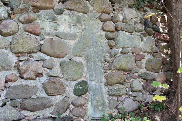 Lagoszow Wielki stone cross 2014 P02