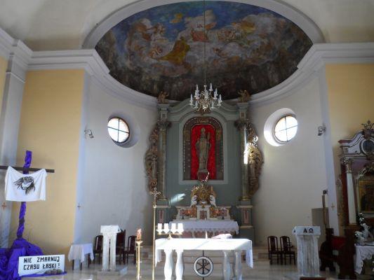 Ołtarz główny w kościele św. Wojciecha