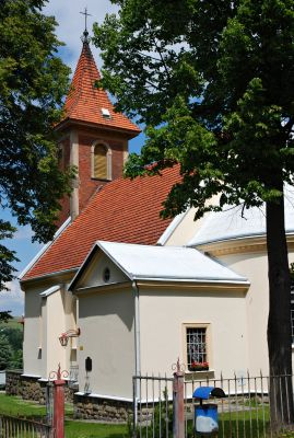 Zakrzów, church