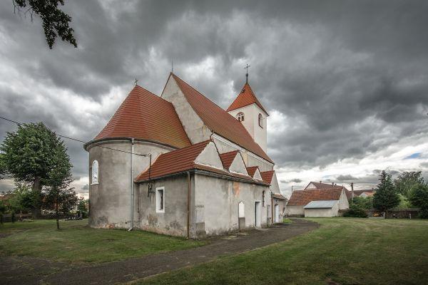 SM Kłobuczyn kościół św Jadwigi Śląskiej (1) ID 596642