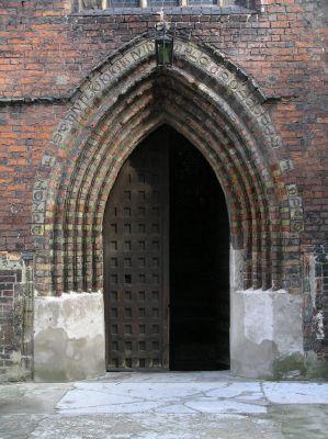 Torun kosciol sw Jakuba portal zach