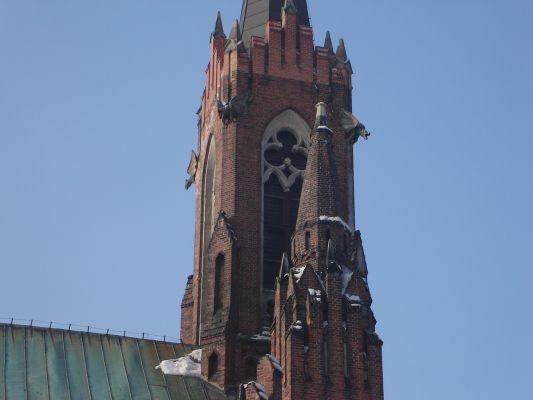 Dzwonnica kosciola na niwce