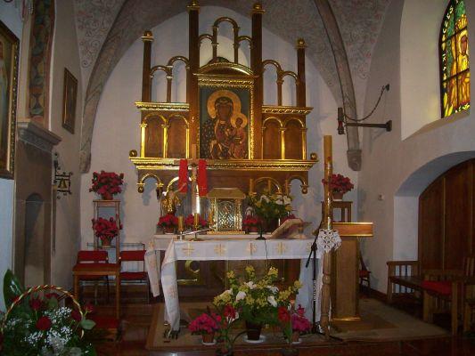 Kosciol we Wlostowie, oltarz