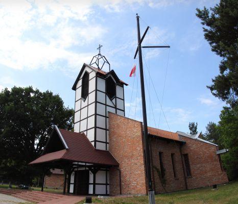 20100705 Katy Rybackie, church