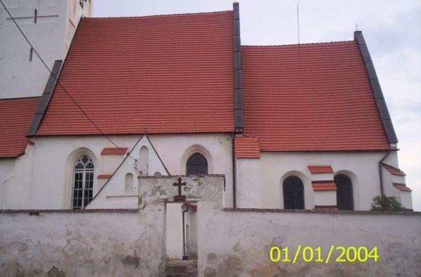 Ujęcie boczne kościoła.