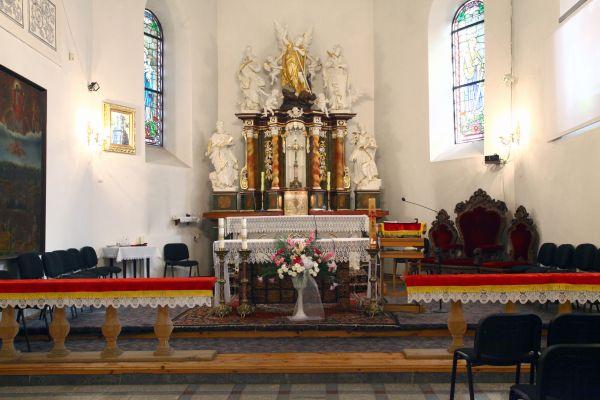Kościół p.w. św. Michała Archanioła w Polkowicach - ołtarz główny