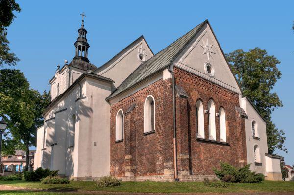 Kościół parafialny p. w. Podwyższenia Krzyża i świętego Mikołaja z ok. 1250 r, Sławków