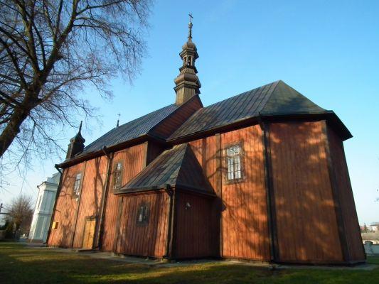 Drewniany kościół w Dzierzkowicach 2