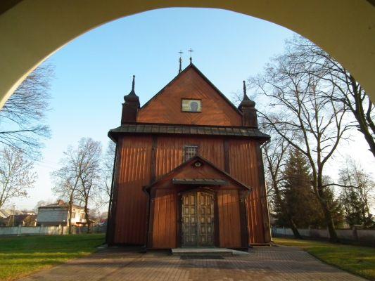 Drewniany kościół w Dzierzkowicach 5