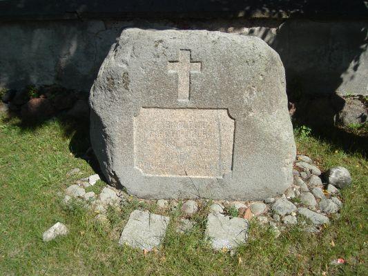 Kościół w Sieluniu.Kamień