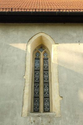 Bielsko-Biała, Kościół św. Stanisława - okno