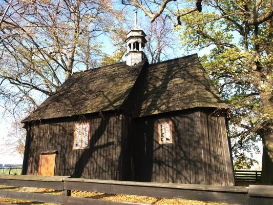 Mokra -kościół