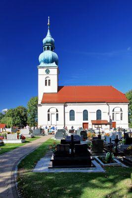 Kościół par. p.w. Wniebowzięcia NMP w Studzionce 2