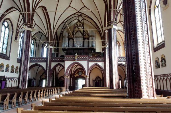 Chorzów - kościół WNMP, nawa główna