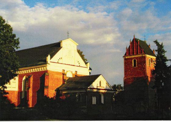 Przasnysz. Kościół farny i wolnostojąca dzwonnica
