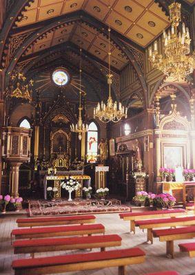Krzywosadz church interior