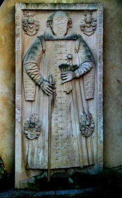Jerzmanowa --Płaskorzeźby na scianach Kościóła Wszystkich Świętych. (zetem)