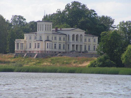 Pałac Lubstów 02