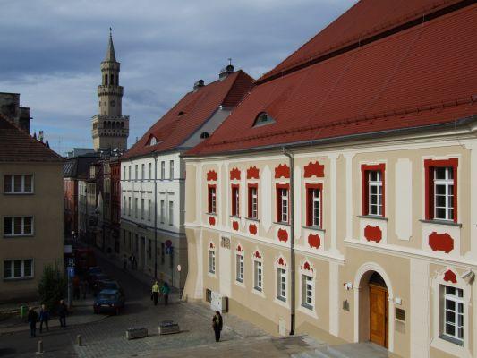 Opole (Oppeln) - ul. św. Wojciecha i Muzeum Śląska Opolskiego