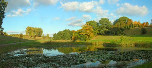 Ogród Botaniczny jesień panoram