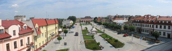Opatow rynek skyline