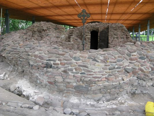 Ostrów Lednicki - ruiny palatium - MF-IMG 6255