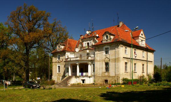 Kaźmierzów -- Pałac. (zetem)
