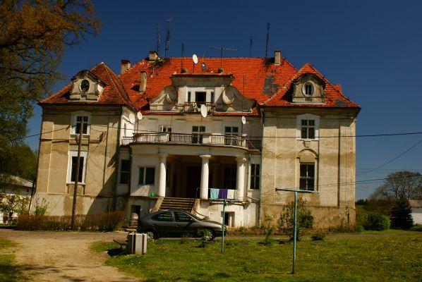 (zetem) Kaźmierzów -- Pałac