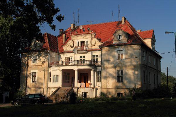 Pałac - Kaźmierzów.