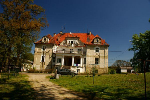 Pałac --Kaźmierzów (zetem)