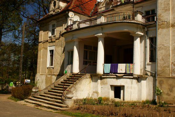 'Kaźmierzów -- Pałac (zetem)