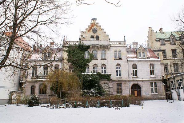 Pałac hrabiów Ballestremów Włodkowica 4 widik od ogrodu fot BMaliszewska
