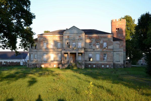 Pałac Mierzewo zbliżenie