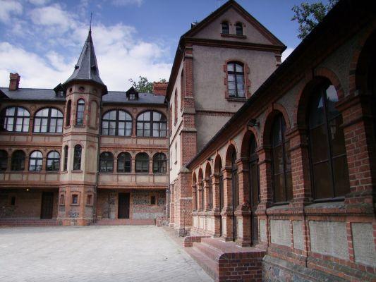 2008 08050343 - Gołuchów - zespół zamkowy - pałac