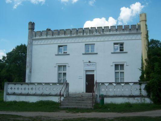 Pałac w Posadzie (2)