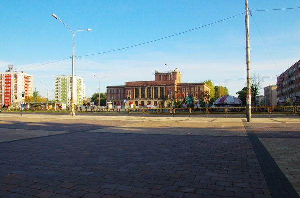 Budynek Pałacu Kultury Zagłębia w Dąbrowie Górniczej (kubos16)154