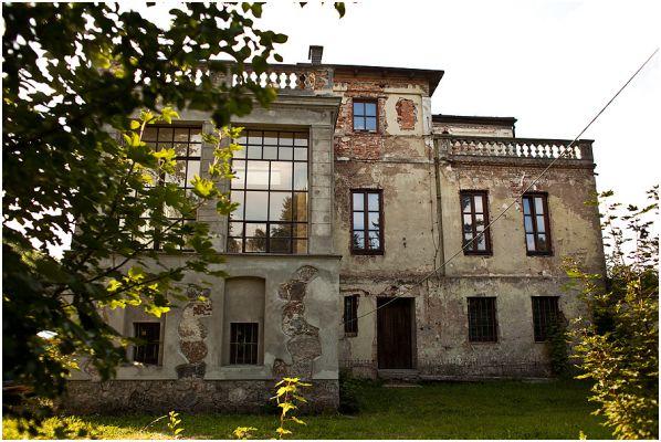 Stępuchowo-zespół-pałacowy-pałac-z-lat-1860-70