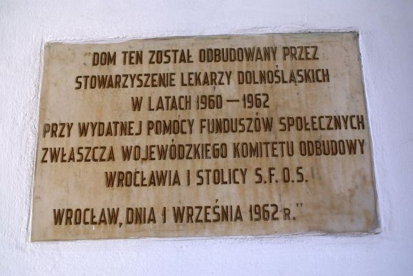 Dom Lekarza przy K.Wielkiego 45 tablica pamiątkowa fot BMaliszewska