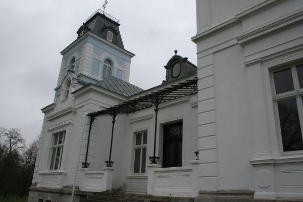 Bajerze pałac 2012 04 25 fot K Lewandowski 9561