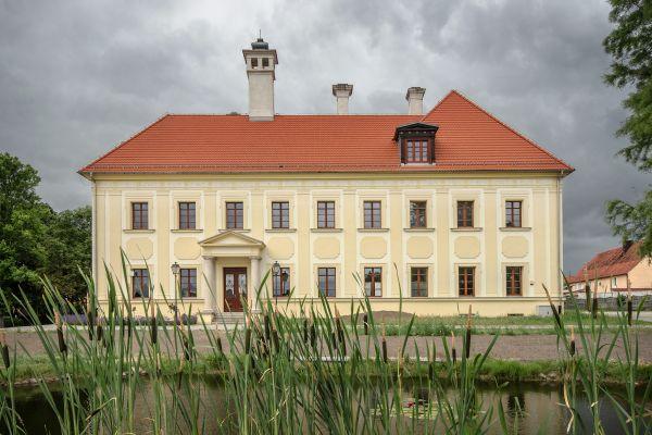 SM Gaworzyce pałac (3) ID 596638