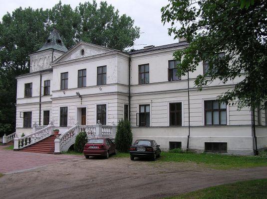 POL gizyce manro house