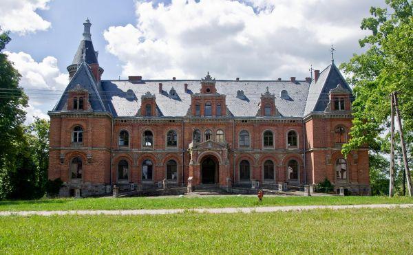 Palace in Klecewo